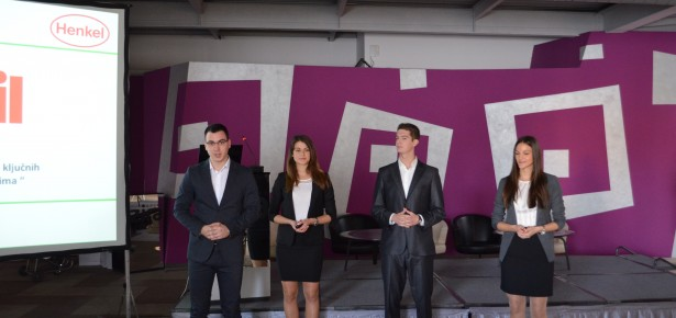 FOS students win case study competition in PR